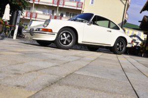 """Schönheit in der Originalfarbe """"Hellelfenbein 1111/1110"""", ein Porsche 911 2,4 T Coupé des Jahrgangs 1972"""