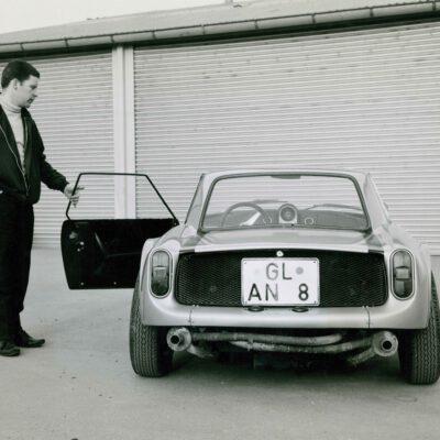 80-Jahre-Ekkehard-Zimmermann-dp-Motorsport-1962-erster-Prototyp-mit-Polyester-Karosserie-Dingo
