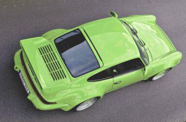 | knallbunte Varianten des Porsche-Erfolgstyps 964: 1992er Porsche 911 (964) Carrera 2 Coupé, Upgrade zum RS(R) 3.8 Coupé