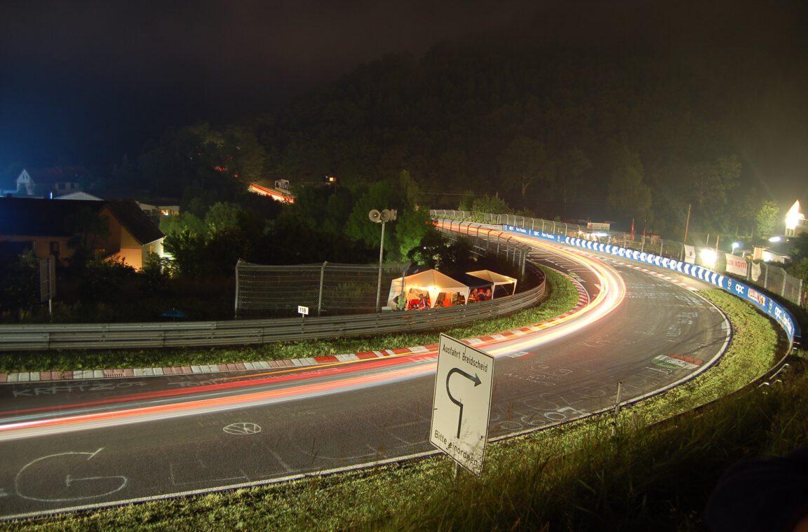 35. ADAC Zurich 24h-Rennen 2007 auf der Nürburgring-Nordschleife Breitscheid bei Mitternacht