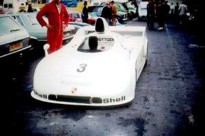 Der Unglückswagen mit der 1970 angelegten Chassisnummer 908 03 0013 im Fahrerlager des Nürburgrings