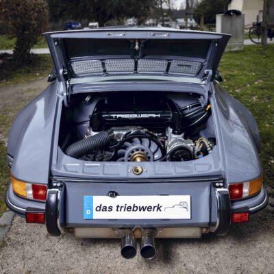 dtw germany | das triebwerk: Ingenieuses Backdating mit Weltmeister-Gen. Porsche-Roll-Out am BILSTER BERG mit Walter Röhrl.