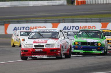 DTM Classic, Nürburgring: zweiter Klassenrang und fünfter Platz in der Gesamtwertung für das Ringshausen Motorsport Revival Team mit Klaus Niedzwiedz.