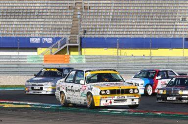 2021-DTM-Classic-Assen-Zwei-Punkt-Null-Automotive-BMW-320-iS-Marc-Hessel