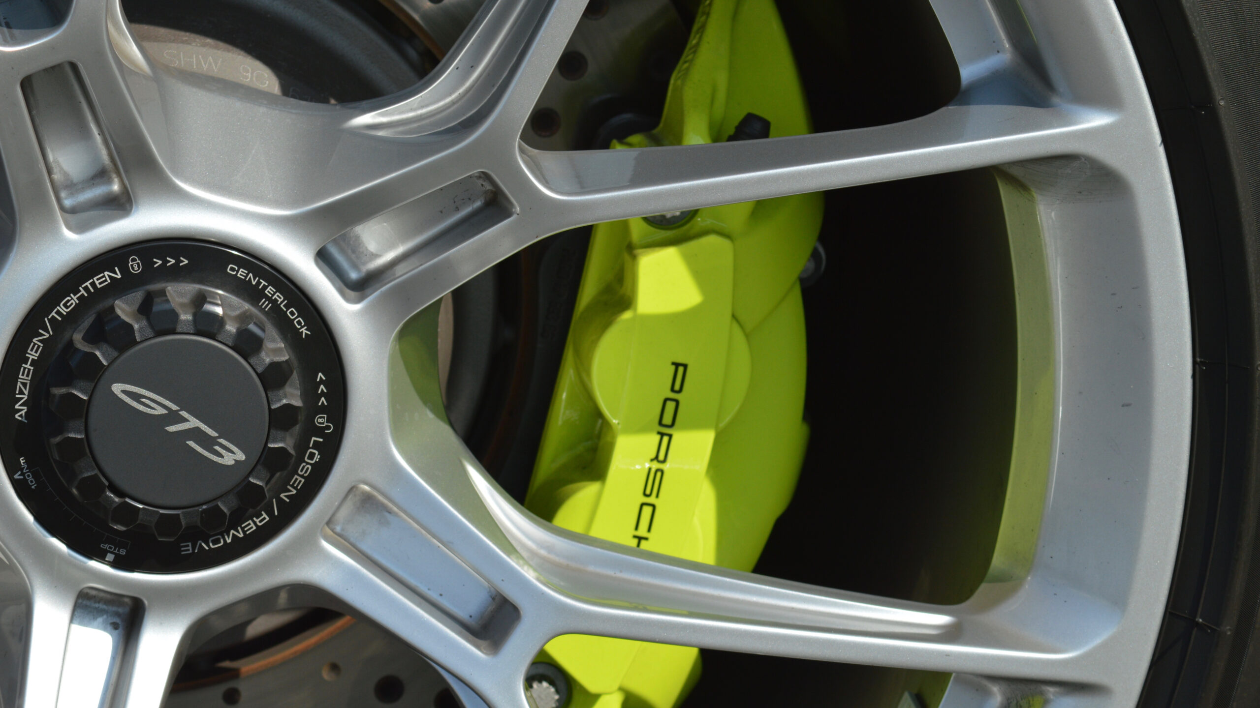 2021er-Porsche-911-GT3-Typ-992.1-AP-Car-Design-PTS-Acidgreen-0329